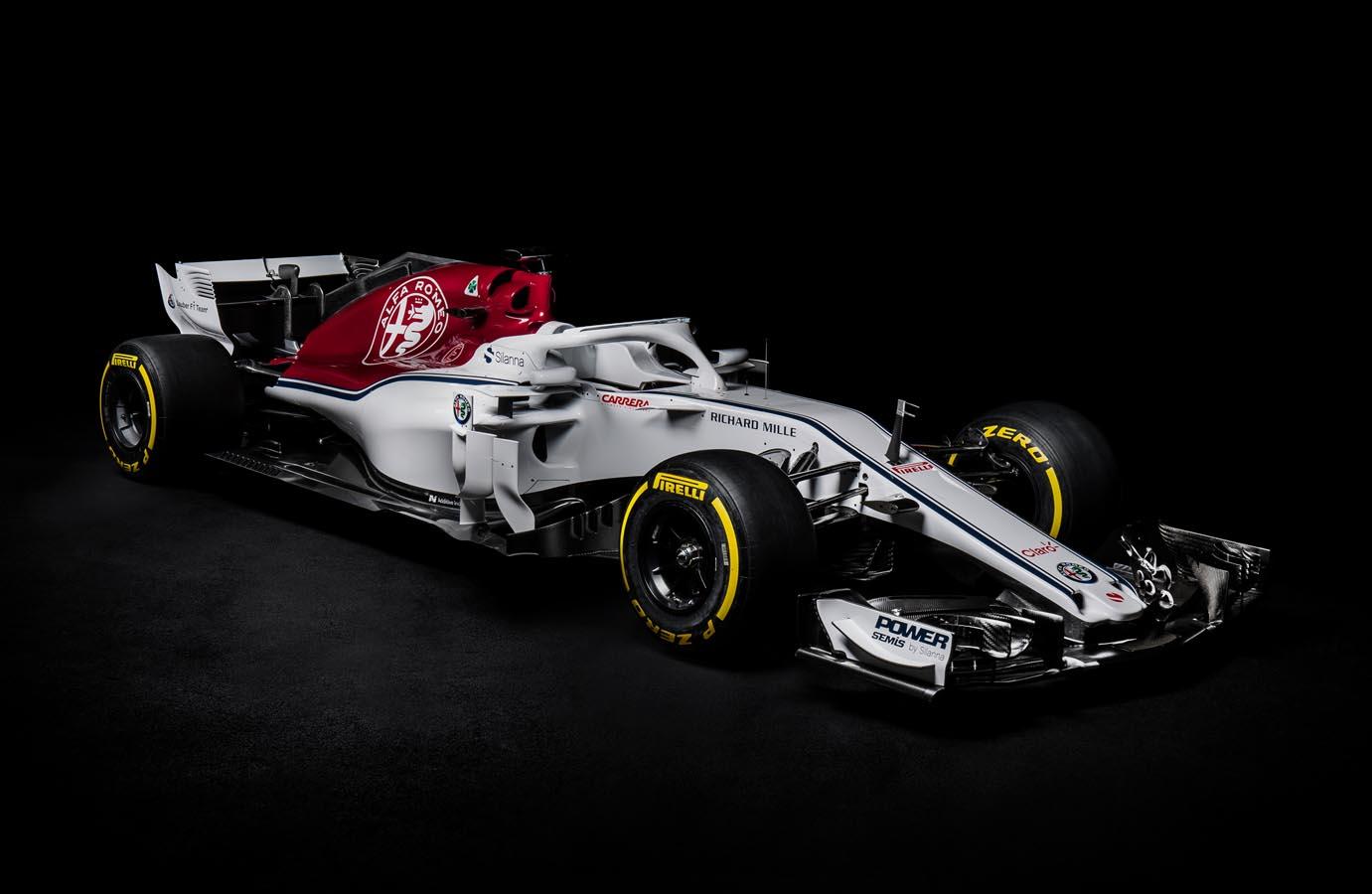 Alfa Romeo Sauber C37 - Front Side